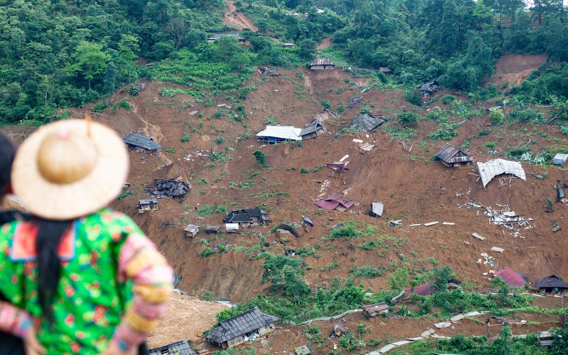 Bản Sáng Tùng bị 'xóa sổ' sau vụ sạt lở đất ở Lai Châu
