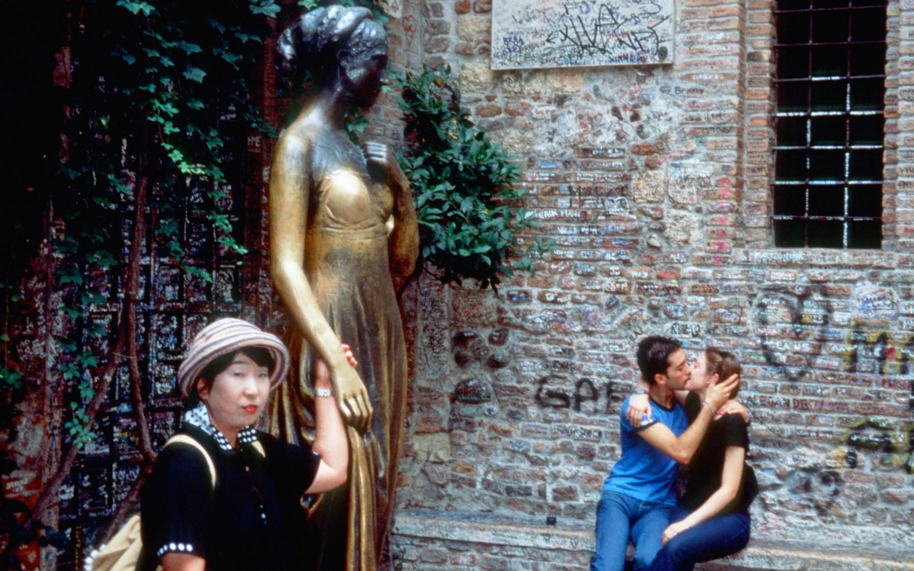 Đến nhà nàng Giulietta - người yêu của Romeo
