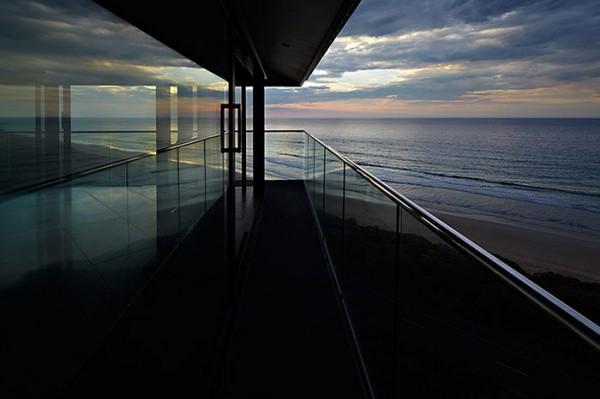 Ngôi nhà nghỉ dưỡng lơ lửng trên mặt biển ở Úc - Ảnh 6.