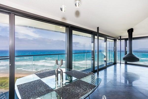 Ngôi nhà nghỉ dưỡng lơ lửng trên mặt biển ở Úc - Ảnh 8.