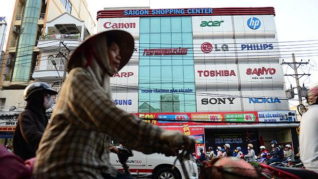 Điện máy Nguyễn Kim bị xử phạt, truy thu thuế hơn 148 tỉ đồng - Ảnh 2.
