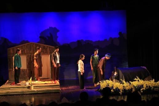 Nhà văn Nguyễn Quang Thiều: Tôi cần lời xin lỗi từ Nhà hát Kịch Việt Nam - Ảnh 1.