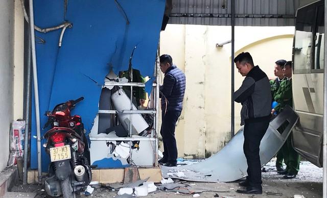 Bắt 4 nghi phạm phá nổ cây ATM ở Cửa Lò để trộm tiền - Ảnh 1.