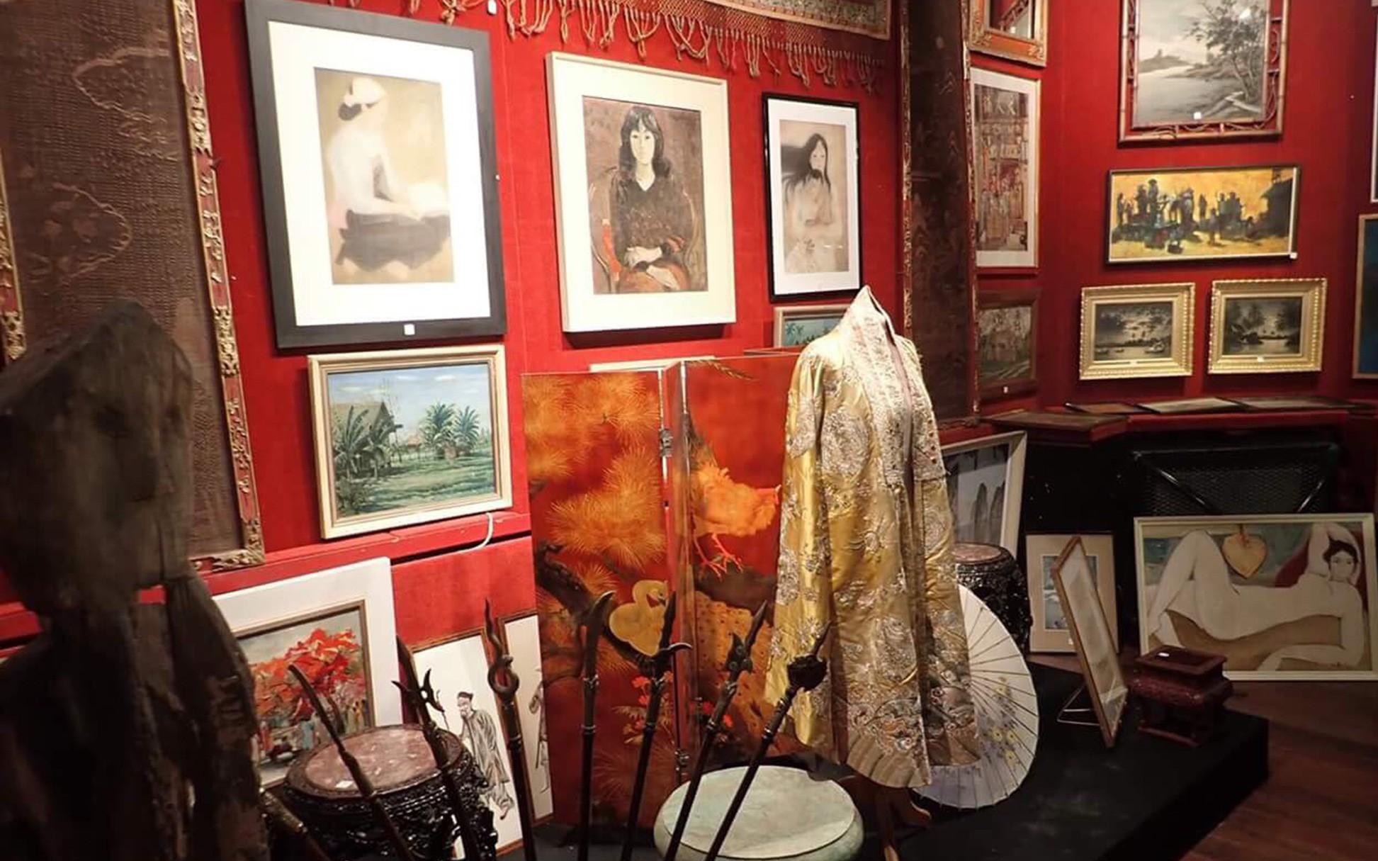 Chiếc áo của đức Từ Cung - mẹ vua Bảo Đại - từ Pháp trở về