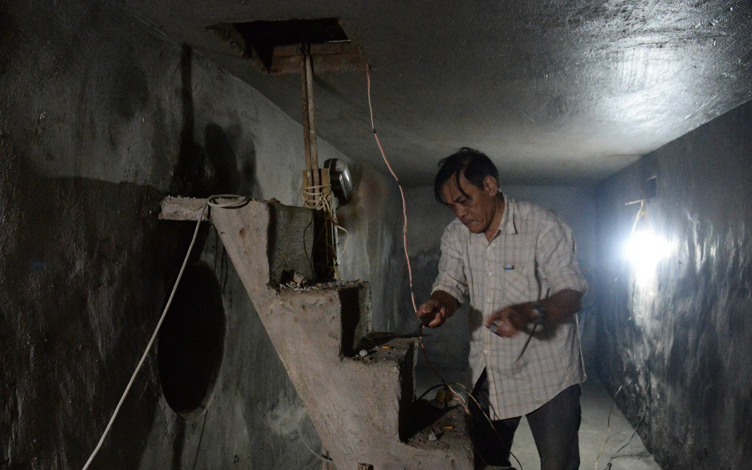 Khui hầm chứa vũ khí giữa Sài Gòn bỏ dở từ năm 1968