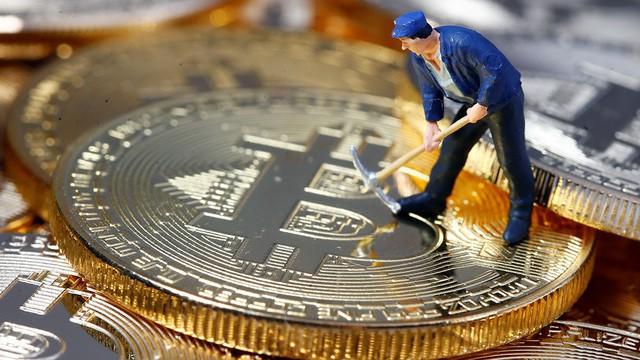 Thị trường tiền ảo đỏ lửa, Bitcoin xuyên thủng ngưỡng 8.000 USD - Ảnh 1.