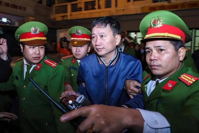 Toà truy vấn đường đi chiếc valy 14 tỉ đồng của Trịnh Xuân Thanh - Ảnh 1.