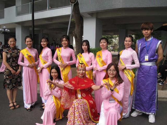 143 thí sinh nước ngoài trúng tuyển sau ĐH vào ĐH Tôn Đức Thắng - Ảnh 1.