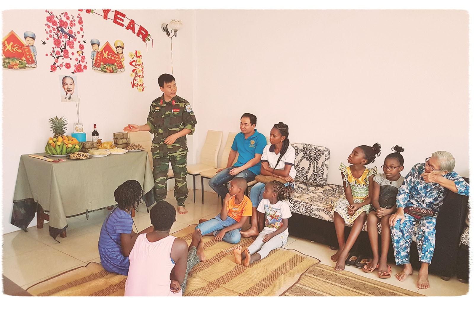 Những người lính đón Tết ở Trung Phi - Ảnh 3.