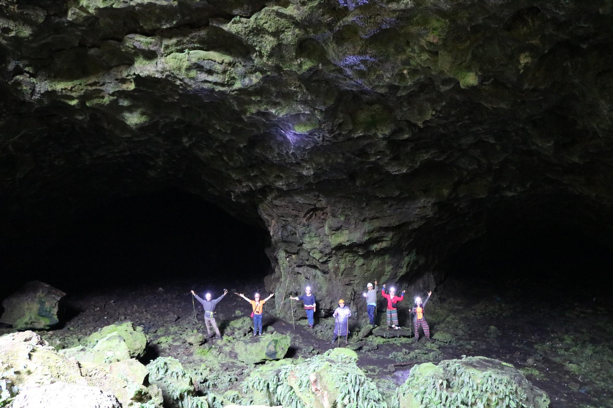 Đón năm mới trên núi lửa Chư B'luk - Ảnh 14.