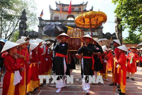 Hà Nội tuyên chiến với trục lợi lễ hội - Ảnh 2.