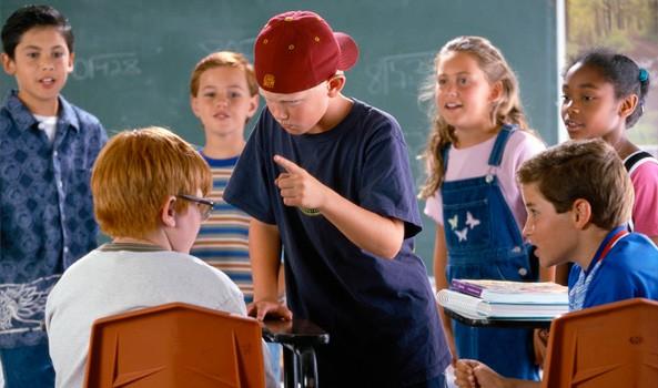 Trẻ bị bạo lực học đường có nguy cơ cao mắc tâm thần - Ảnh 1.
