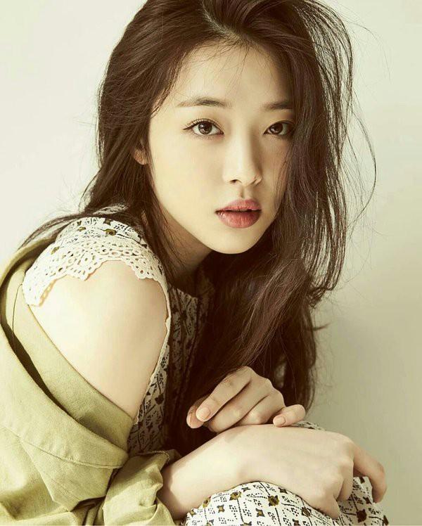 Sulli chết do treo cổ tự tử, người hâm mộ Hàn Quốc không tin nổi sự thật - Ảnh 2.