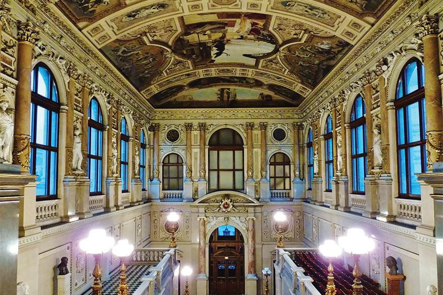 Những tuyệt tác trần nhà đẹp nhất thế giới - Ảnh 9.