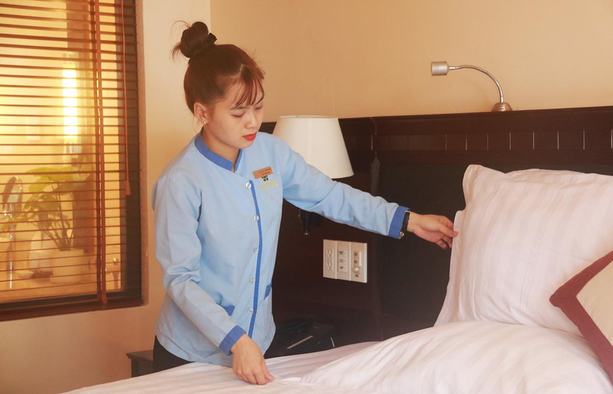 Đào tạo nhân viên phục vụ phòng tại resort Sài Gòn - Phú Quốc - Ảnh: K.N.  - phu-quoc-2-1573434193494465447952 - Phú Quốc thiếu nhân lực du lịch trầm trọng.