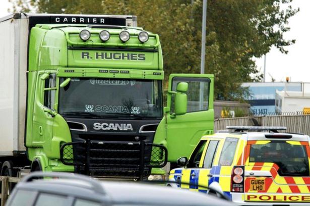 Nghi phạm bị truy nã vụ 39 thi thể ở Anh từng có tiền án? - Ảnh 1.