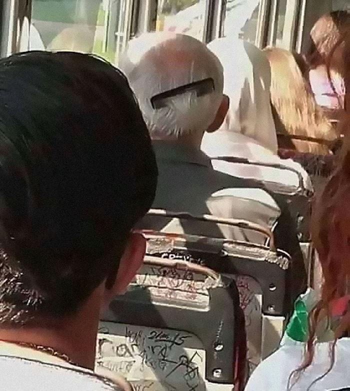 Những khoảnh khắc khó đỡ trên xe buýt, không thể nhịn cười - Ảnh 2.