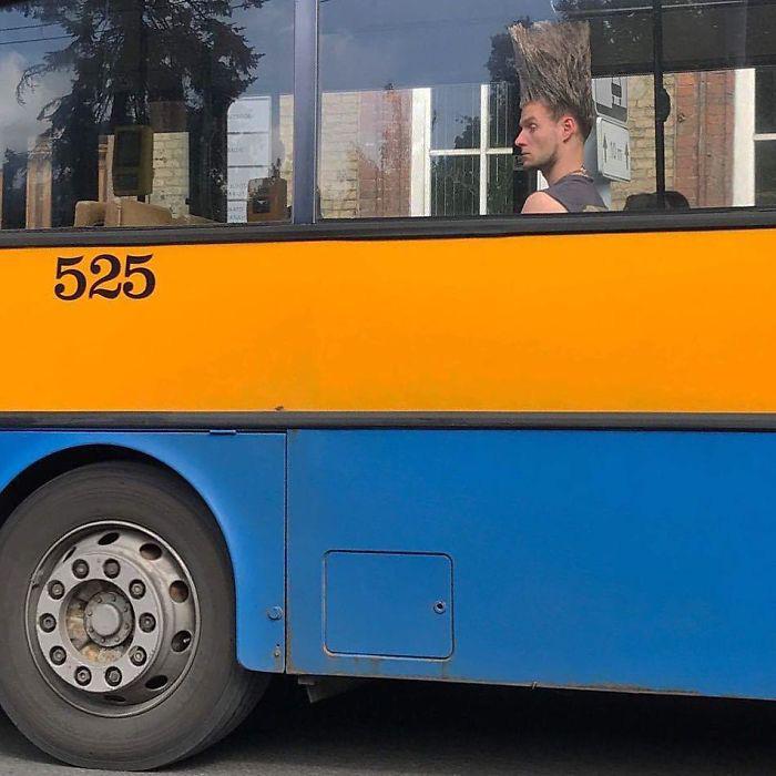 Những khoảnh khắc khó đỡ trên xe buýt, không thể nhịn cười - Ảnh 12.