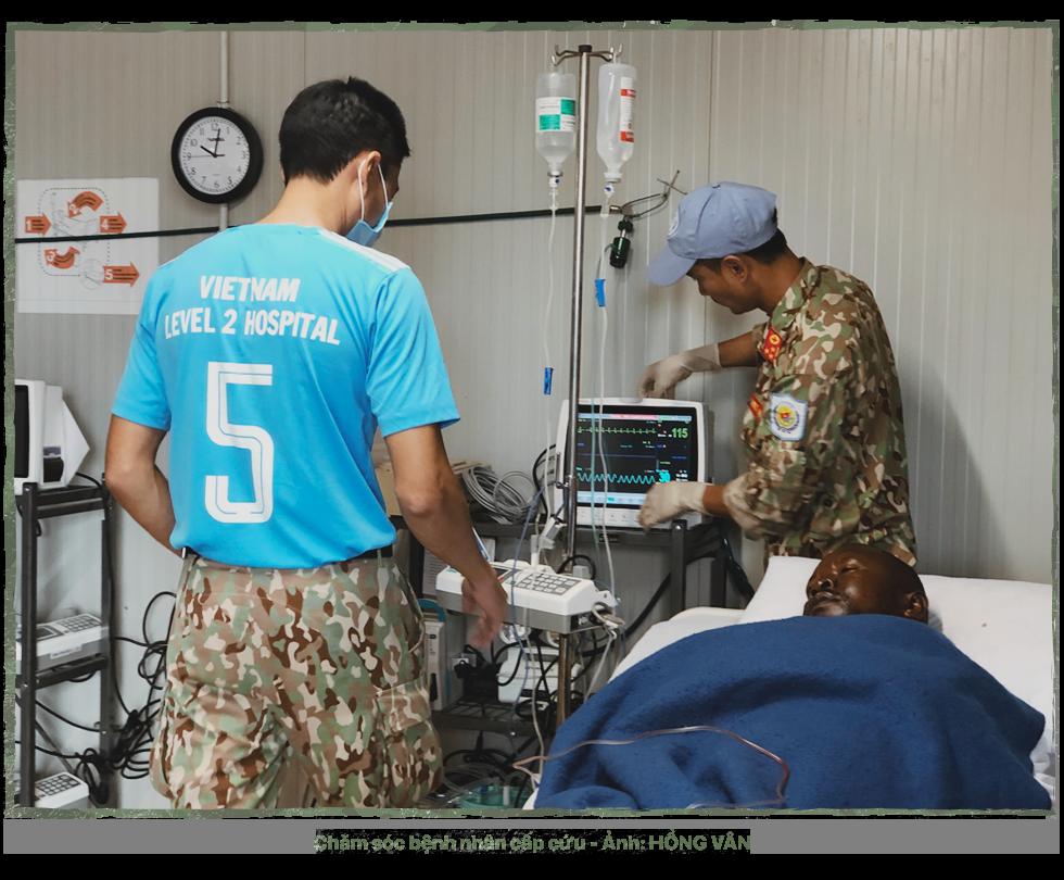 Kỳ 3: 24 giờ ở bệnh viện dã chiến - Ảnh 7.