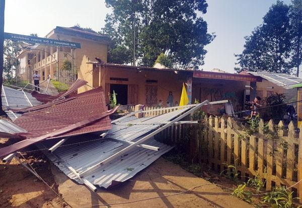 3.500 nhà dân bị thiệt hại do mưa dông, lốc miền núi phía Bắc - Ảnh 1.