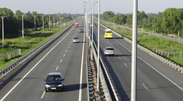 Thủ tướng yêu cầu thông xe cao tốc Trung Lương – Mỹ Thuận vào năm 2020 - Ảnh 1.