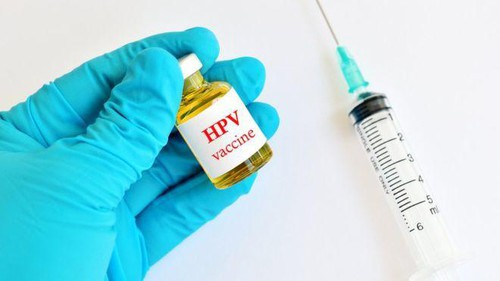 Vaccine HPV - chìa khóa xóa sổ ung thư cổ tử cung - Ảnh 1.