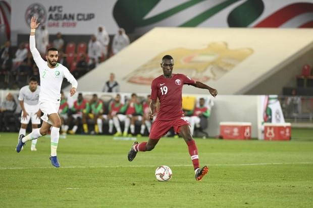 Cầu thủ Qatar ẵm 2 triệu bảng, căn hộ ở London, xe Lexus... sau chức vô địch Asian Cup - Ảnh 2.