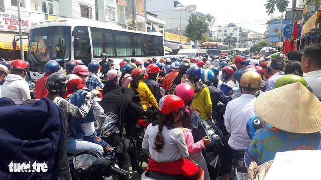15 người chết vì tai nạn giao thông trong ngày mùng 1 Tết - Ảnh 1.