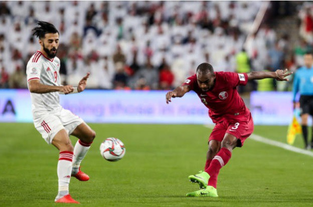 Cổ động viên người Anh bị UAE bắt vì mặc áo tuyển Qatar tại Asian Cup 2019 - Ảnh 2.