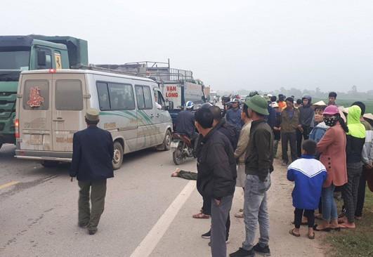 Truy tìm xe tải gây tai nạn làm 2 người chết rồi bỏ trốn - Ảnh 1.