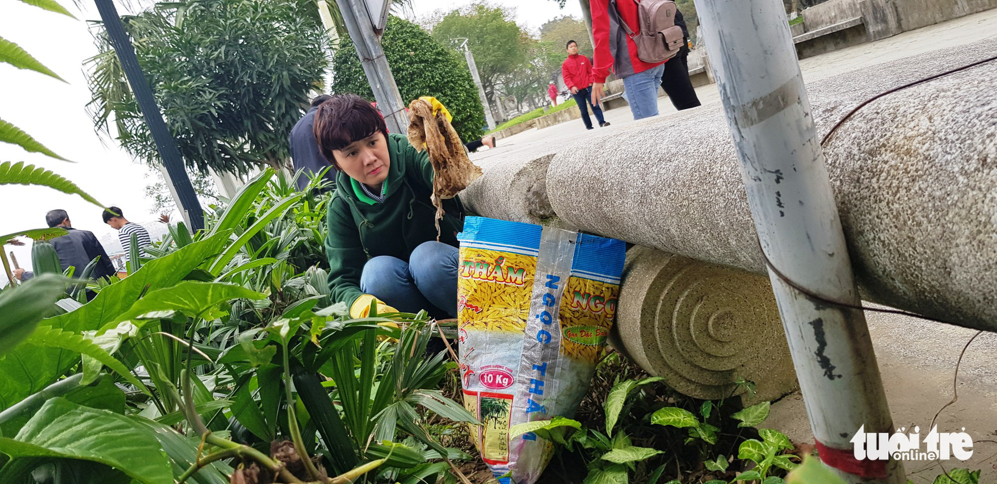 Theo trào lưu Facebook, Huế mở cuộc thi thử thách dọn rác - Ảnh 2.
