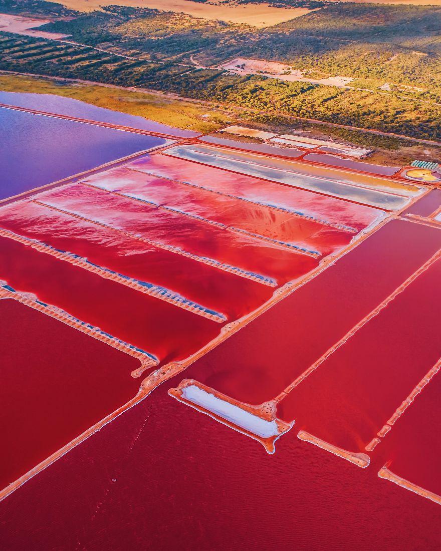 Kỳ lạ hồ nước màu hồng, đỏ, cam theo giờ - Ảnh 9.