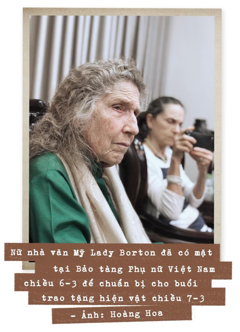 Những người phụ nữ và hành trình của những hiện vật hòa bình - Ảnh 6.