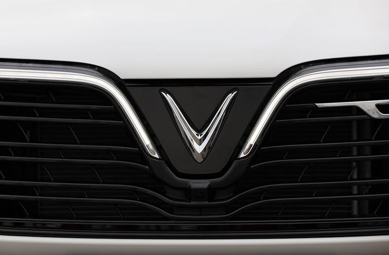 Cận cảnh xe chiếc VinFast Lux SA2.0 đầu tiên vừa xuất xưởng - Ảnh 2.