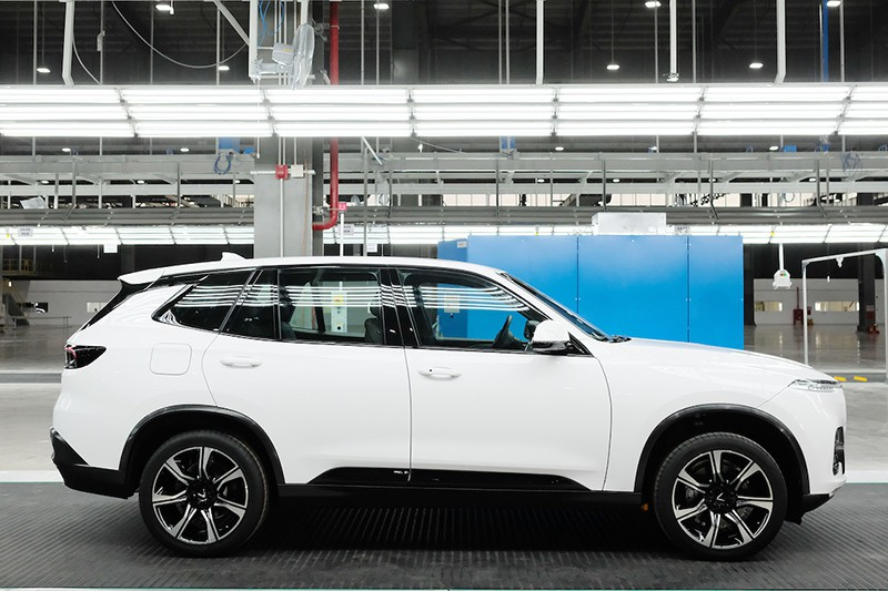 Cận cảnh xe chiếc VinFast Lux SA2.0 đầu tiên vừa xuất xưởng - Ảnh 5.