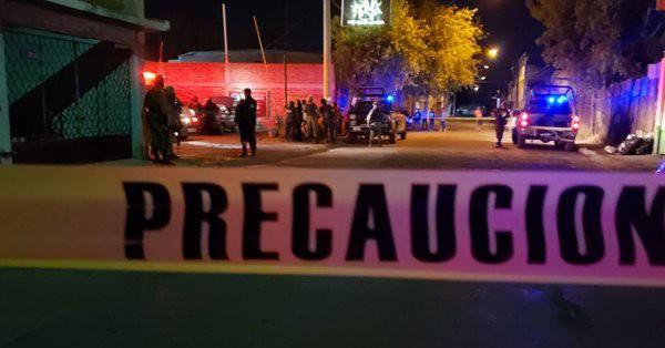 Xả súng kiểu băng đảng tại hộp đêm, ít nhất 14 người thiệt mạng - Ảnh 1.