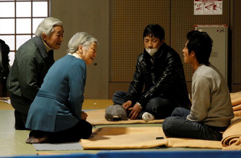 Những hình ảnh ghi dấu cuộc đời Nhật hoàng Akihito - Ảnh 21.