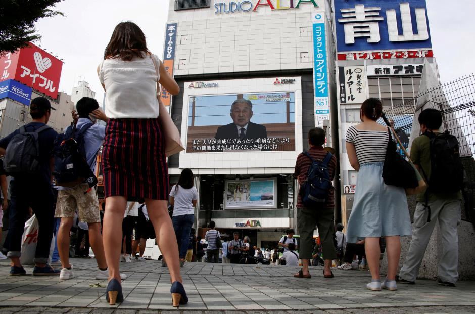 Những hình ảnh ghi dấu cuộc đời Nhật hoàng Akihito - Ảnh 23.