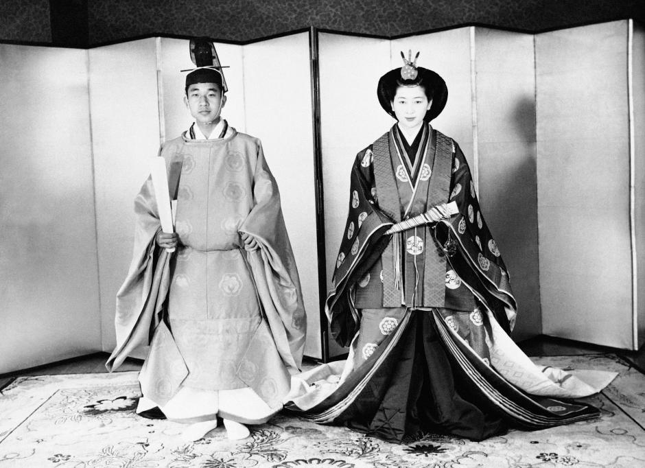 Những hình ảnh ghi dấu cuộc đời Nhật hoàng Akihito - Ảnh 7.