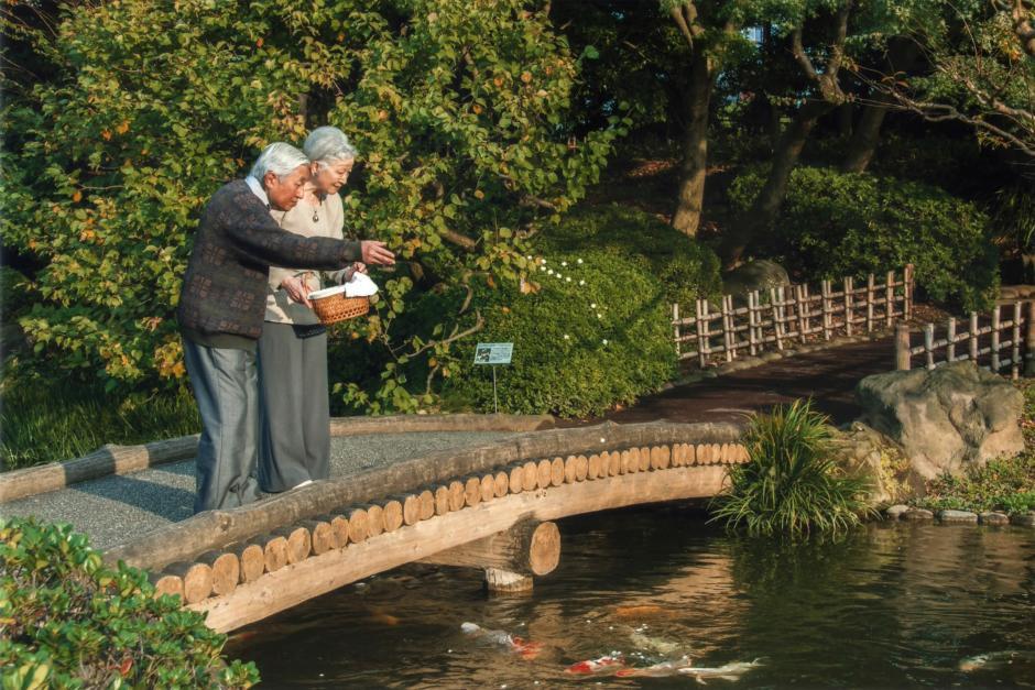 Những hình ảnh ghi dấu cuộc đời Nhật hoàng Akihito - Ảnh 22.
