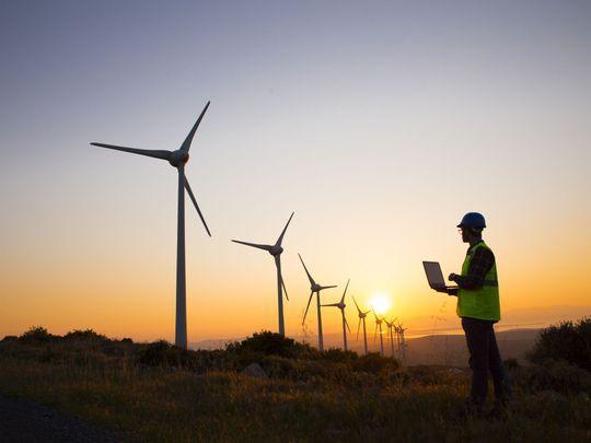 Ông Trump công kích điện gió, tuyên bố turbine gió có thể gây ung thư - Ảnh 2.