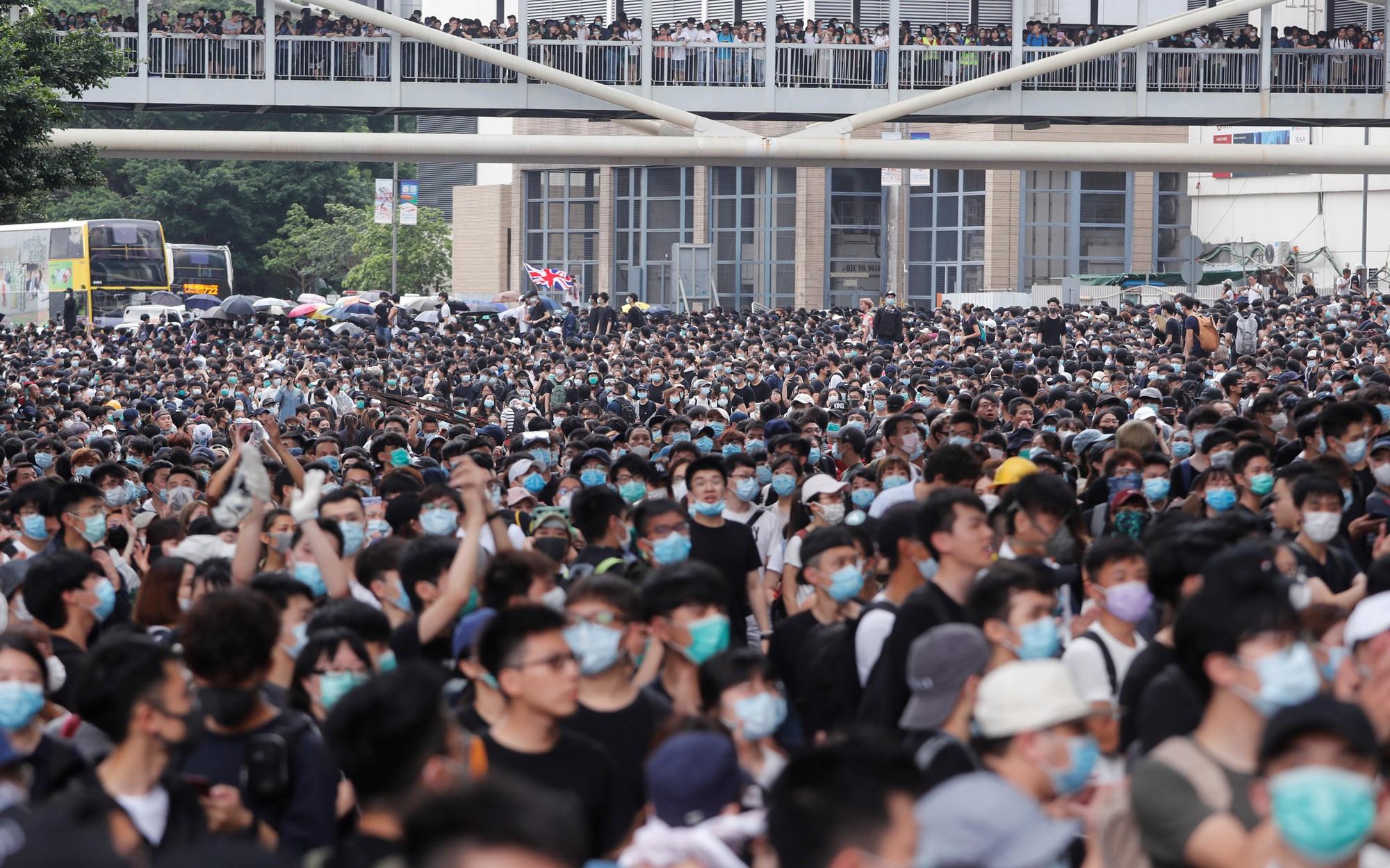 Image result for hình ảnh những cuộc biểu tình ở hong kong