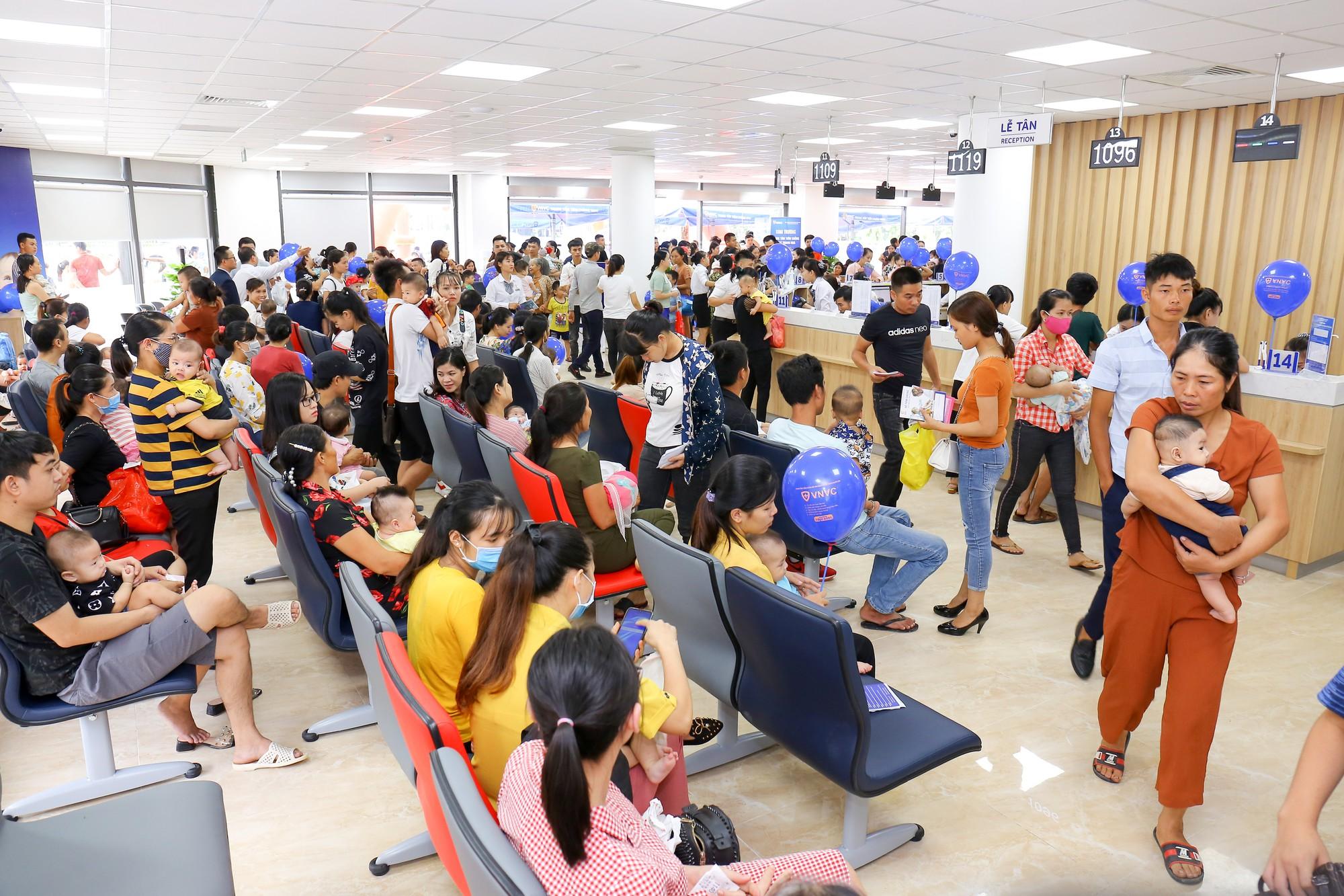 Tiêm chủng VNVC tới Thanh Hóa - Ảnh 2.