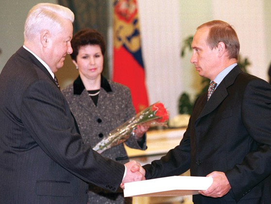 20 năm cầm quyền của Putin: Trả lại vị thế Nga, nhưng với giá nào? - Ảnh 2.