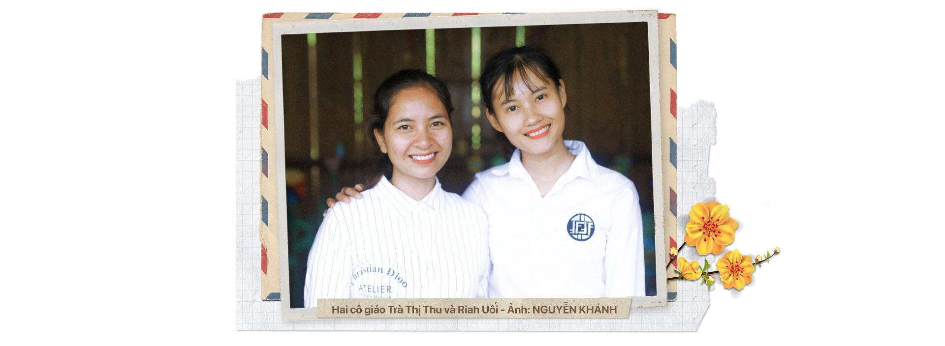 H'Hen Nie đến với cô trò Tắk Pổ - Ảnh 18.