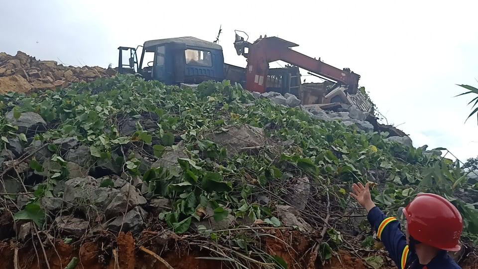 Kinh hoàng khung cảnh khu nhà điều hành thủy điện Rào Trăng 3 bị vùi lấp - Ảnh 8.