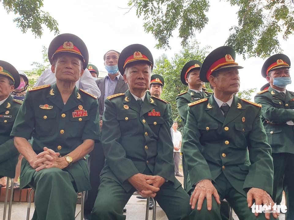 Hàng ngàn người dự lễ viếng và truy điệu 13 chiến sĩ, cán bộ gặp nạn - Ảnh 19.