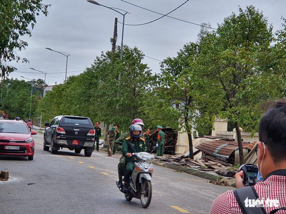 Đưa thi thể 22 chiến sĩ về Đông Hà: Nỗi đau thấu trời đất - Ảnh 10.