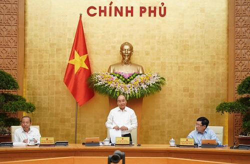 Thủ tướng Nguyễn Xuân Phúc: Mục tiêu kép đạt kết quả tốt - Ảnh 1.