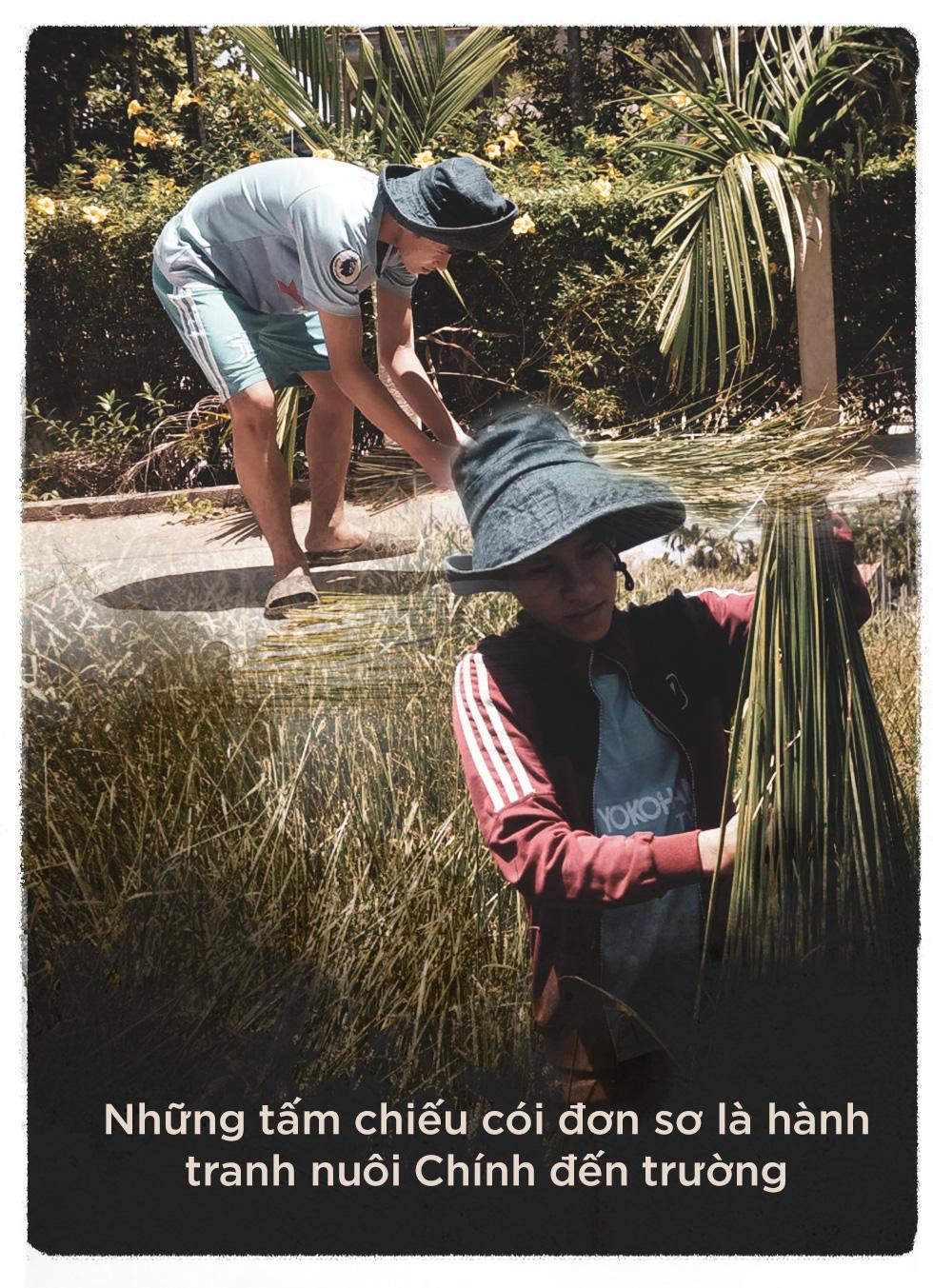 Tiếp sức đến trường: Dệt cói, trồng sắn và đeo đuổi ước mơ nghề nghiệp - Ảnh 3.